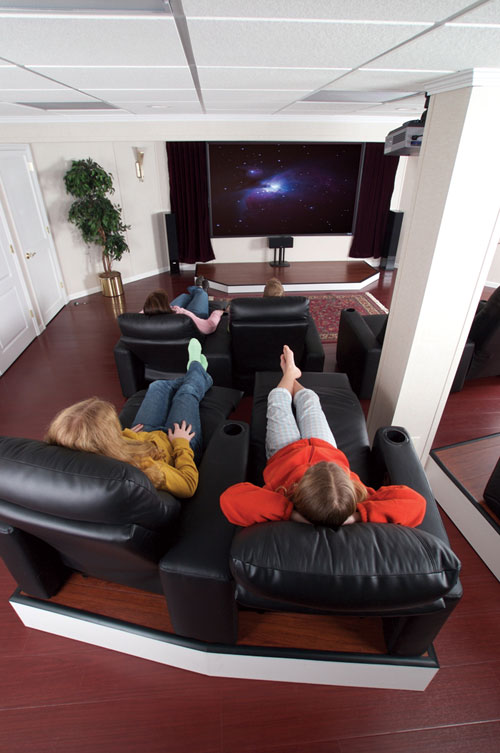 Basement theater ideas designing a basement home theater for Home theater basement design ideas